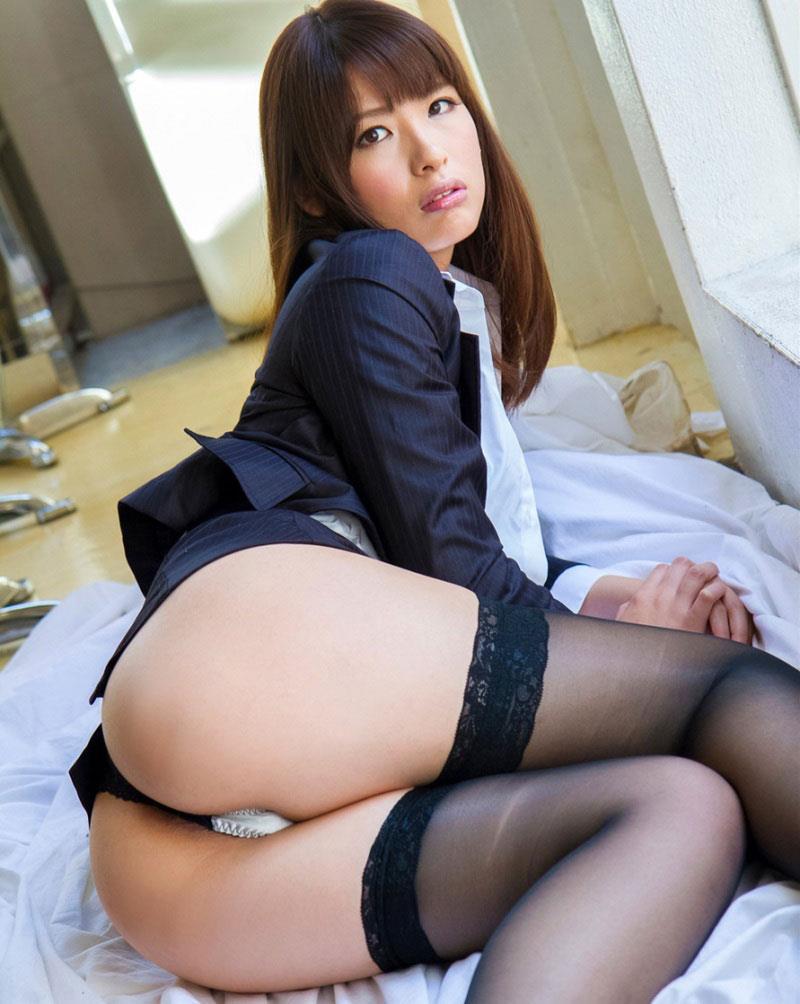 【美尻エロ画像】美しく曲線を描いたお尻は女性ならではの魅力! 39