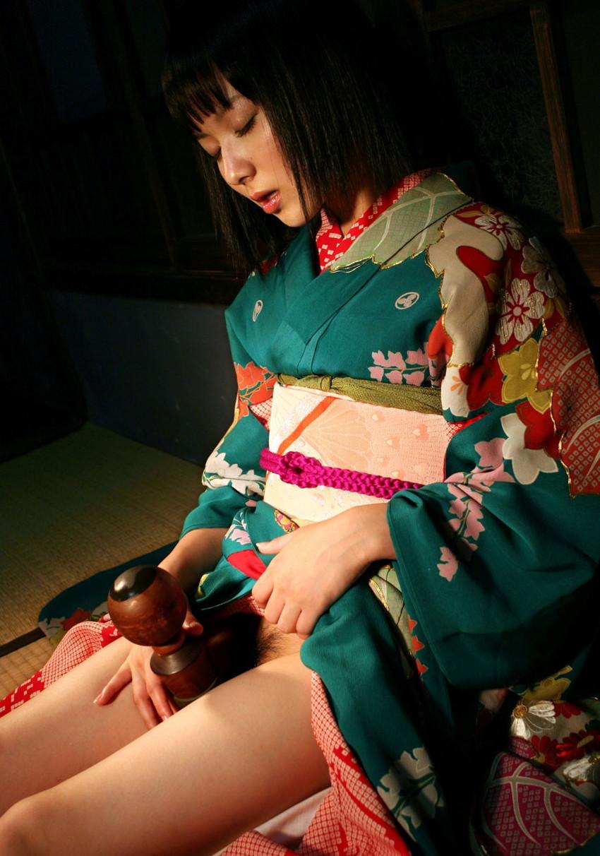 【和服エロ画像】やっぱり大和撫子が好き!日本人でよかった!和服エロ画像 14