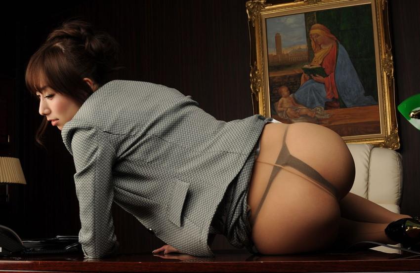 【Tバックエロ画像】美しく!セクシーに!女の子のお尻を演出するならやっぱりTバック! 30