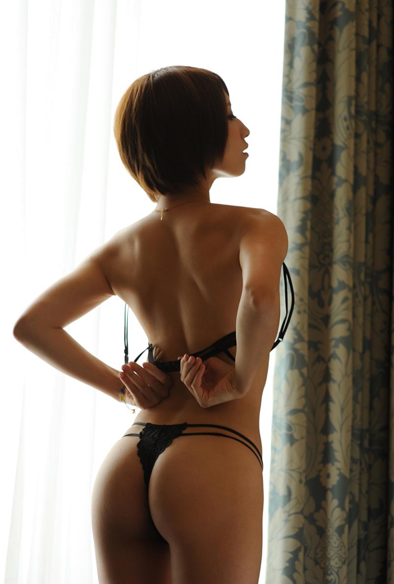 【Tバックエロ画像】美しく!セクシーに!女の子のお尻を演出するならやっぱりTバック! 53