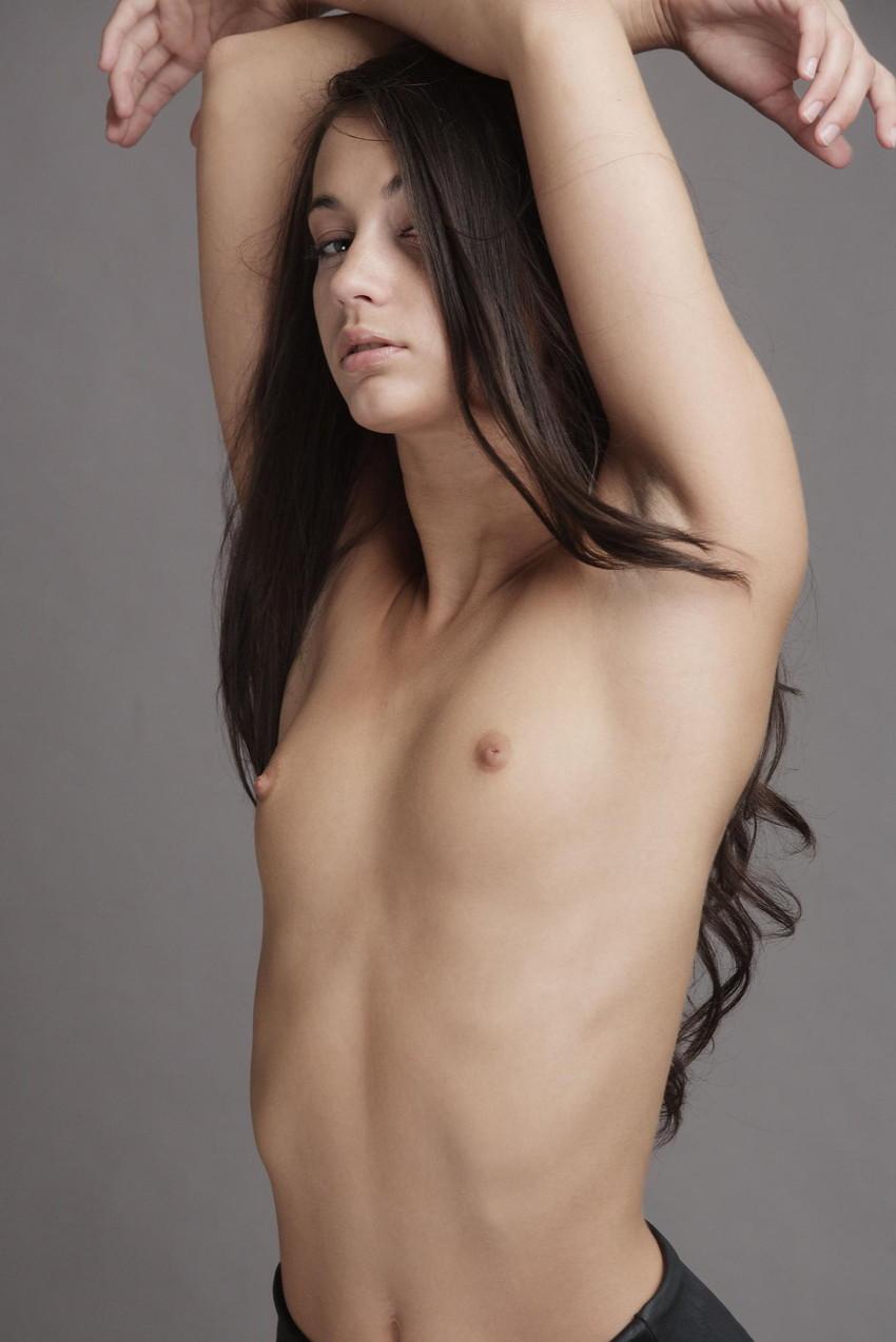 【白人女性エロ画像】まるで映画のヒロイン!美しすぎる白人女性ヌード! 41