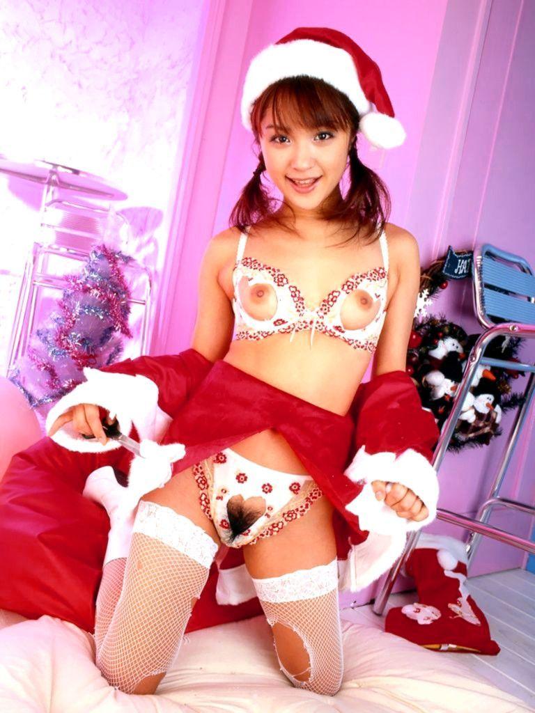 【サンタコスプレエロ画像】こんなサンタがプレゼントもってきてくれたら勝ち組決定! 09