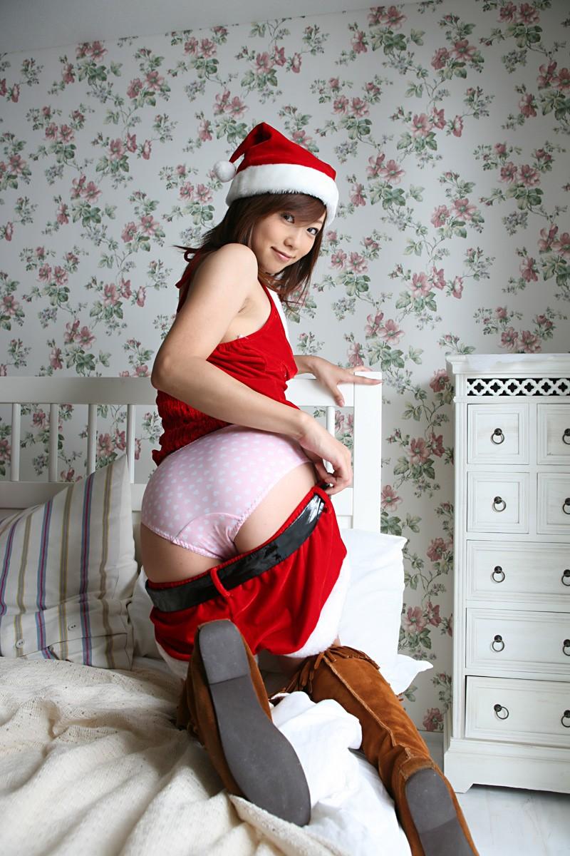 【サンタコスプレエロ画像】こんなサンタがプレゼントもってきてくれたら勝ち組決定! 12