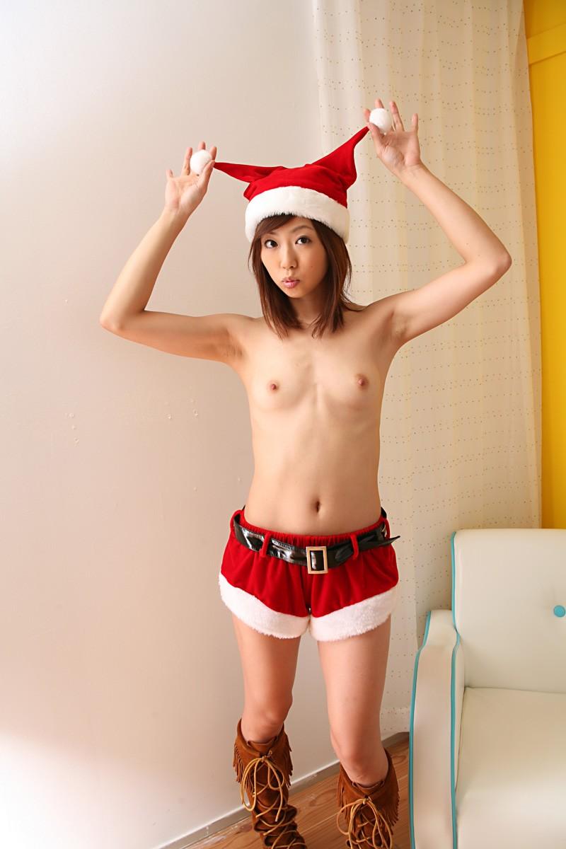 【サンタコスプレエロ画像】こんなサンタがプレゼントもってきてくれたら勝ち組決定! 24