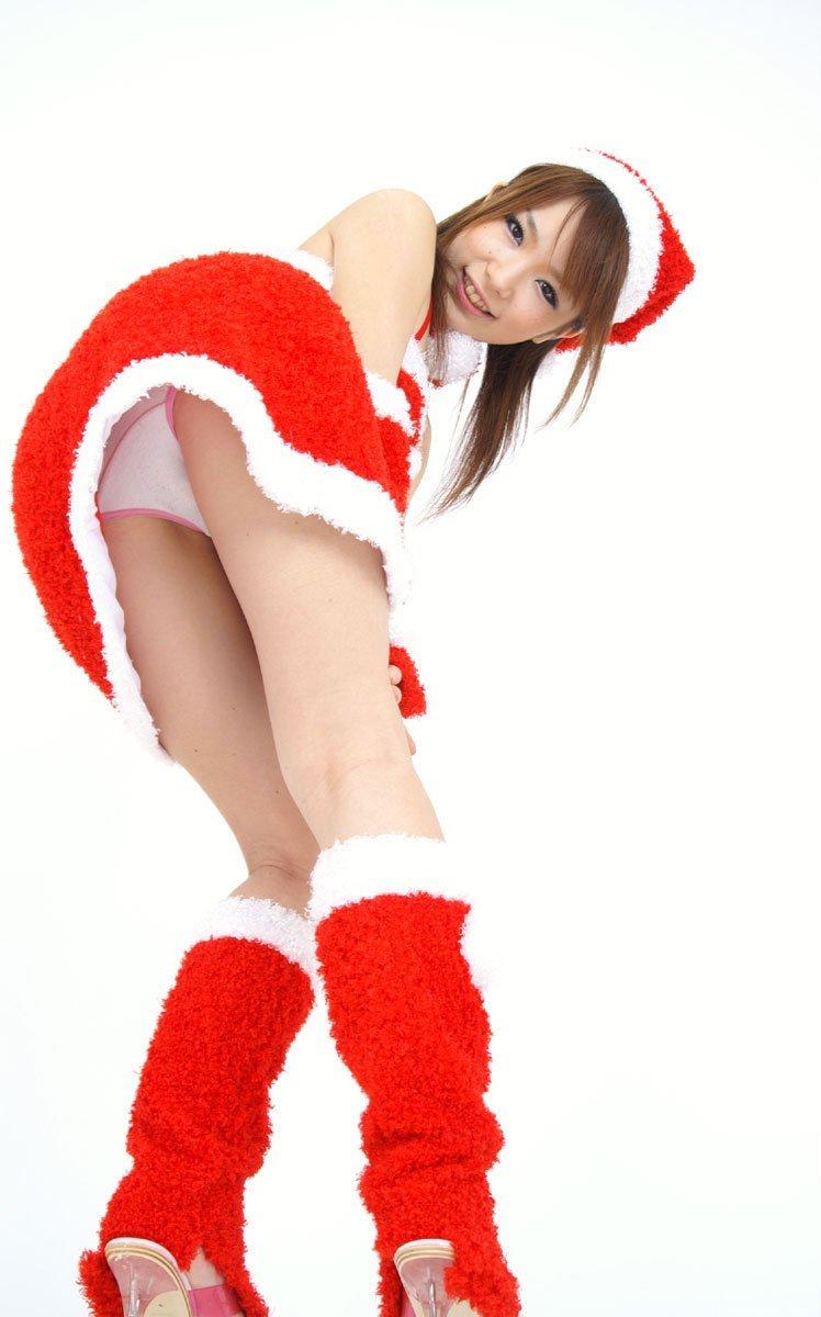 【サンタコスプレエロ画像】こんなサンタがプレゼントもってきてくれたら勝ち組決定! 27
