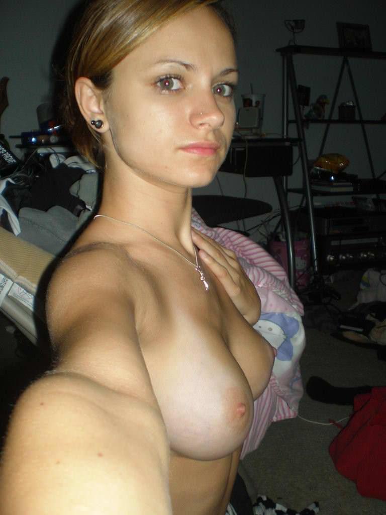 【海外自撮りエロ画像】海外美女たちによるエロすぎる自撮り画像集めたったww 18