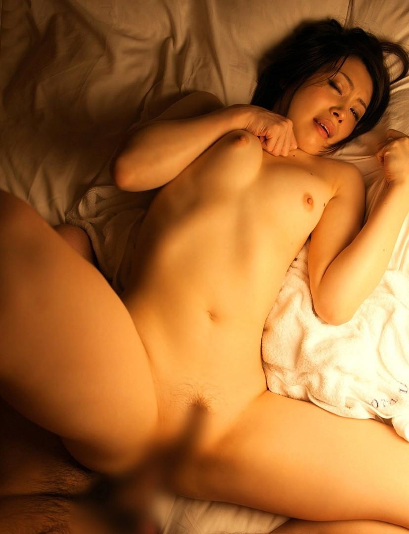 【正常位エロ画像】やっぱり正常位が好き!?一番セオリーなセックスの体位がこちらww 45