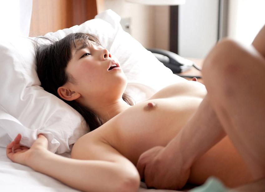 【セックスエロ画像】愛を感じられる!と女の子たちに人気のあるセックスの体位がこちらw 31