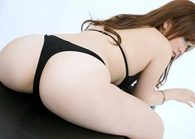 【Tバックエロ画像】美しく、セクシーに!女の子のお尻を演出してくれる優れもの!