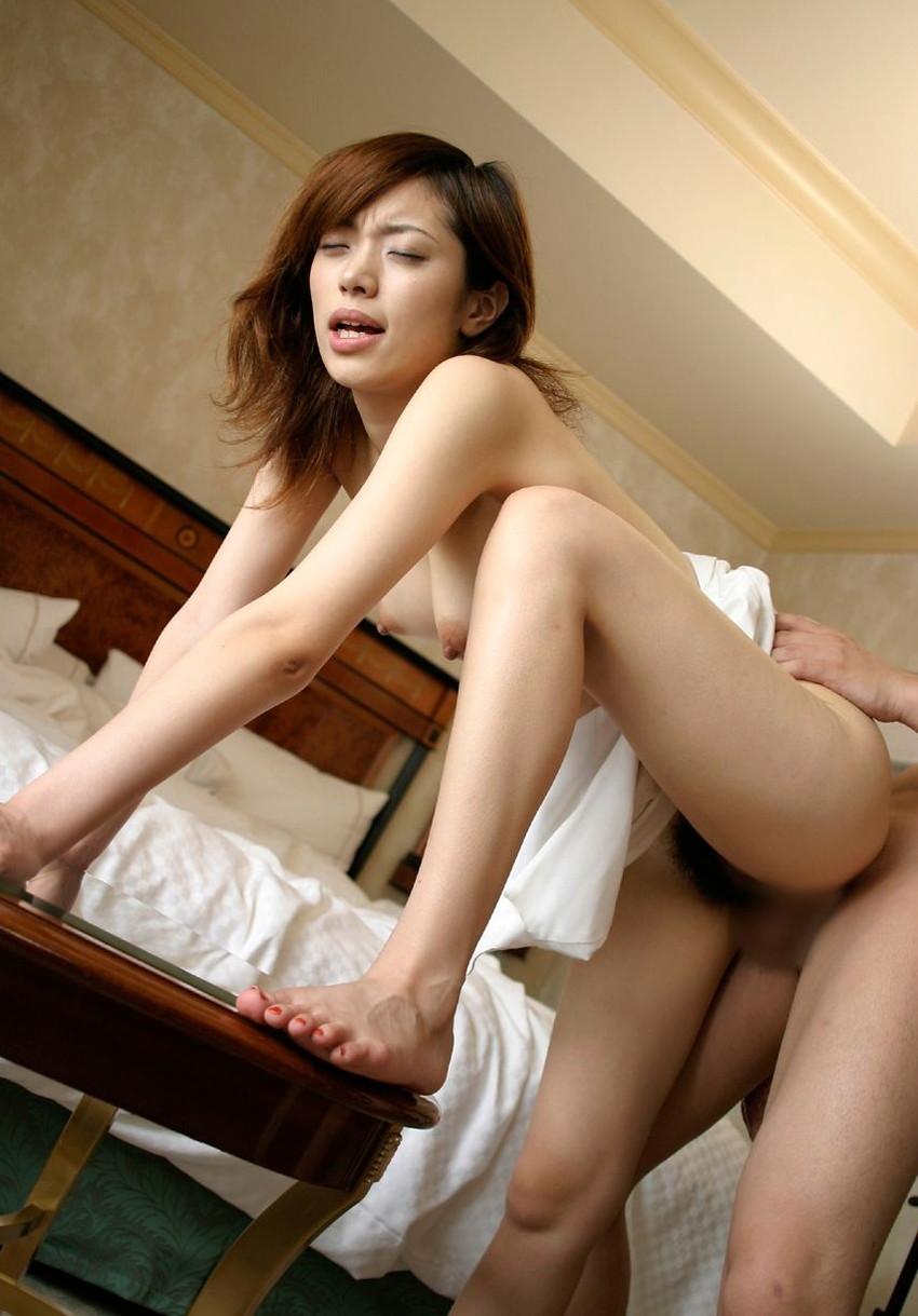 【セックス各種エロ画像】様々な体位で女の子たちがハメ狂うセックス特集! 09