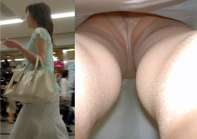 【パンチラ逆さ撮りエロ画像】女の子の直下からスカートの中身を盗撮したったww 10