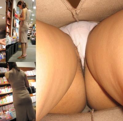 【パンチラ逆さ撮りエロ画像】女の子の直下からスカートの中身を盗撮したったww 43