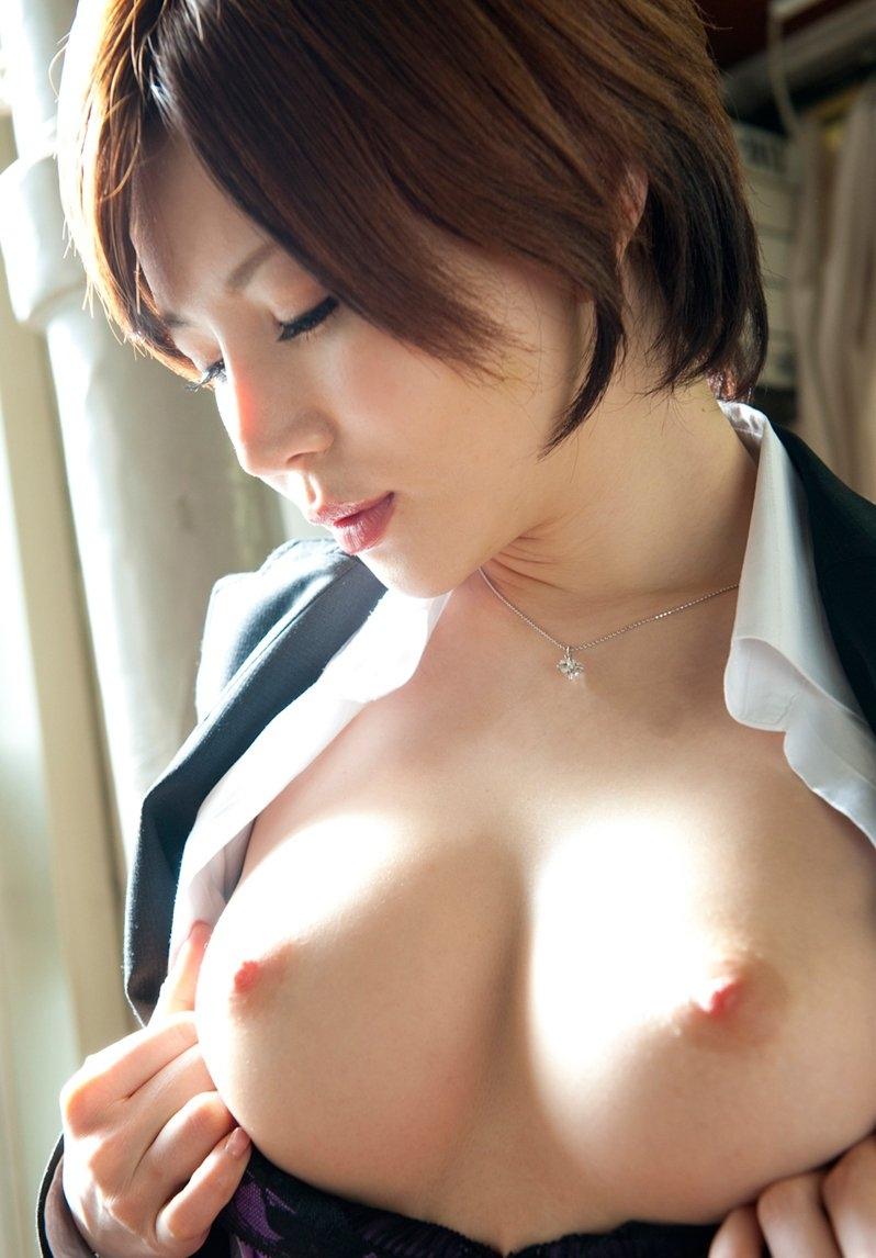 【美乳エロ画像】綺麗過ぎるおっぱい!こんなおっぱいの彼女がほしい!www 33