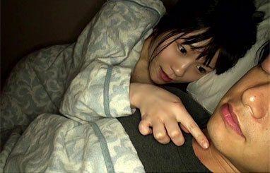 美少女に育った娘が逆夜這いでセックスを教えて欲しいと...! - エロ動画です。